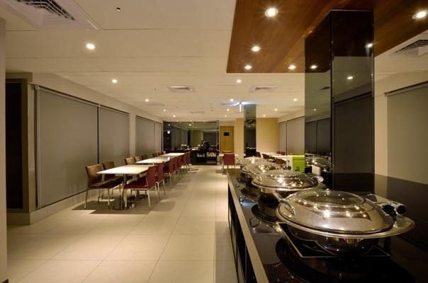 Restaurant(for breakfast)