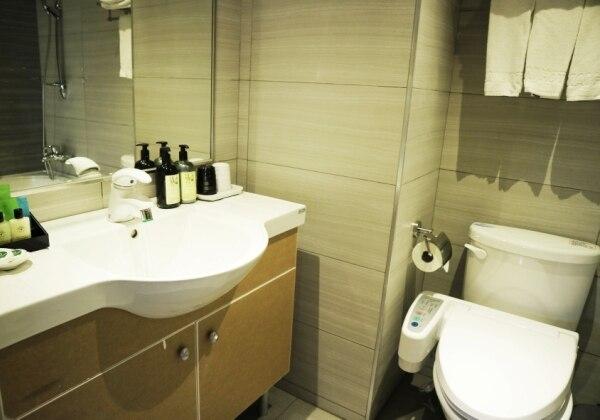 TRL Toilet
