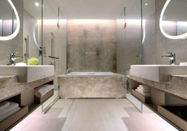 Deluxe Room-Bath Room