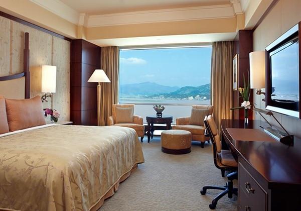 Horizon Club River View Room